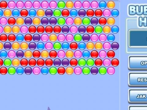 玩法          游戏中使用鼠标瞄准射出小泡泡,相同颜色的三个以上